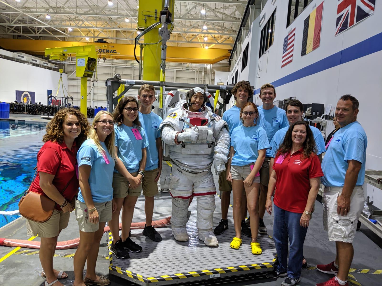 Neutral-Buoyancy-Lab-Group-w-Astronaut