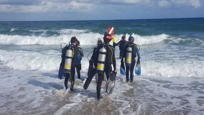 SCUBAnauts Shark Tagging Dive 2018 - Shore Entry